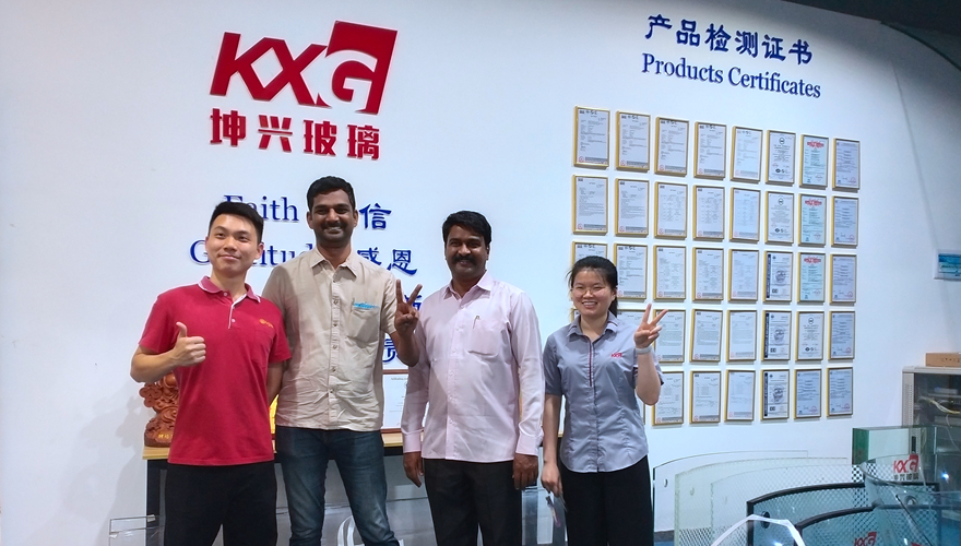 Indian customer from Middle East visiting Kunxing glass factory for building glass