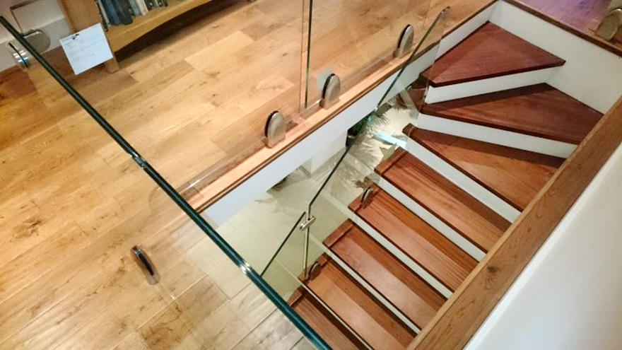 664 clear toughened laminated glass railing