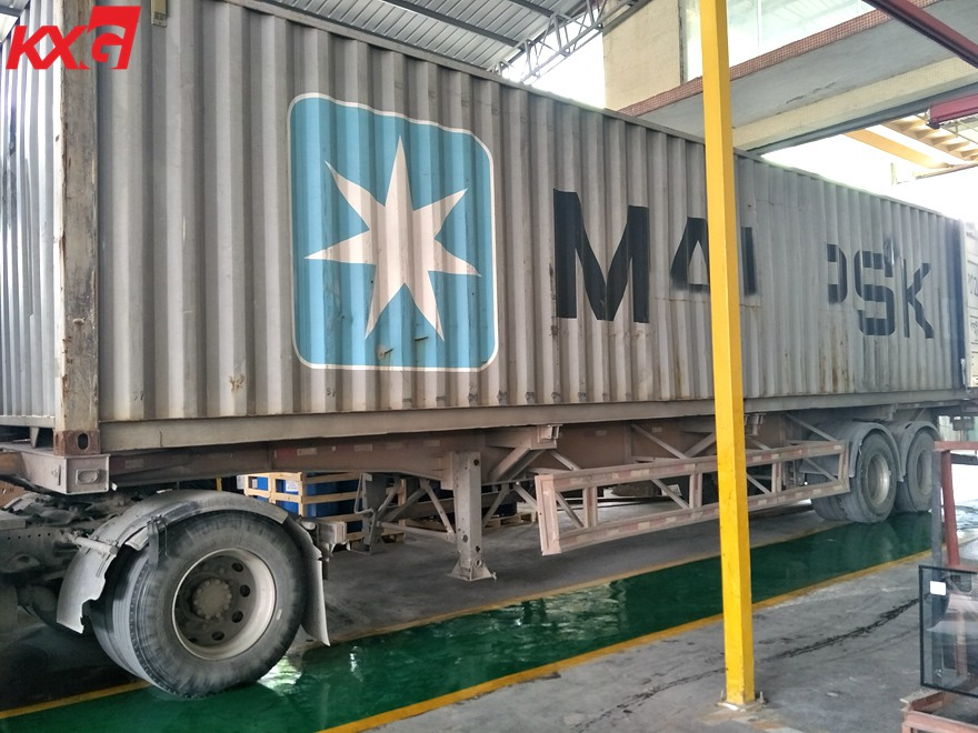 KXG loads tempered insulated glass to Nigeria