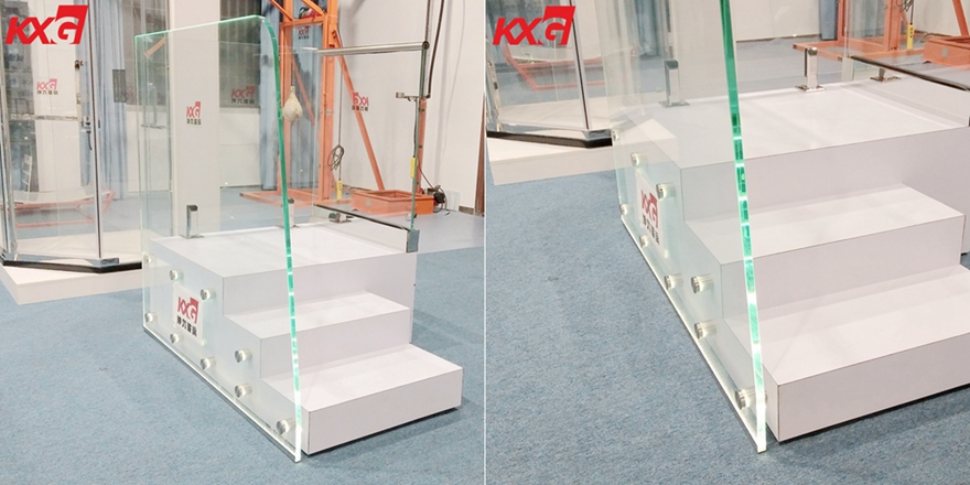 19mm low iron toughened glass handrail