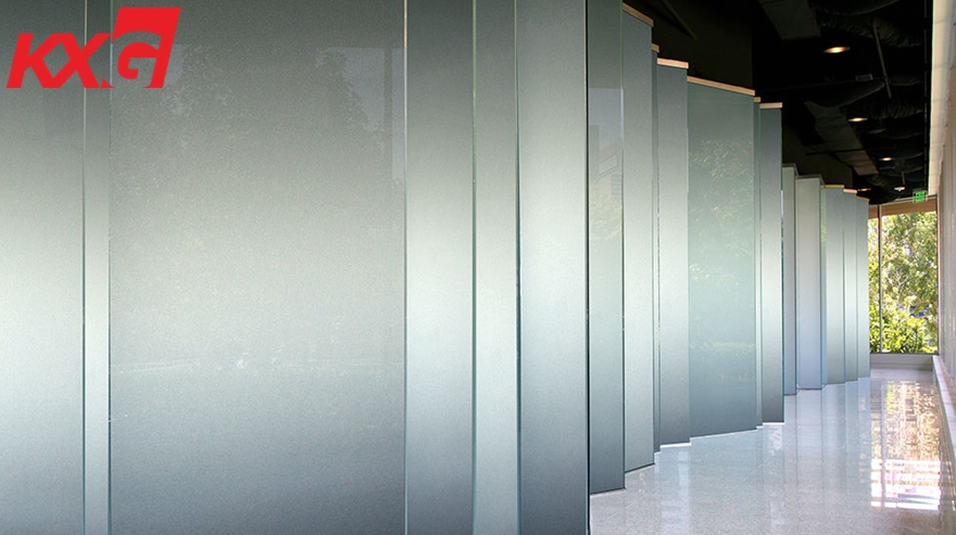 Smart glass wall