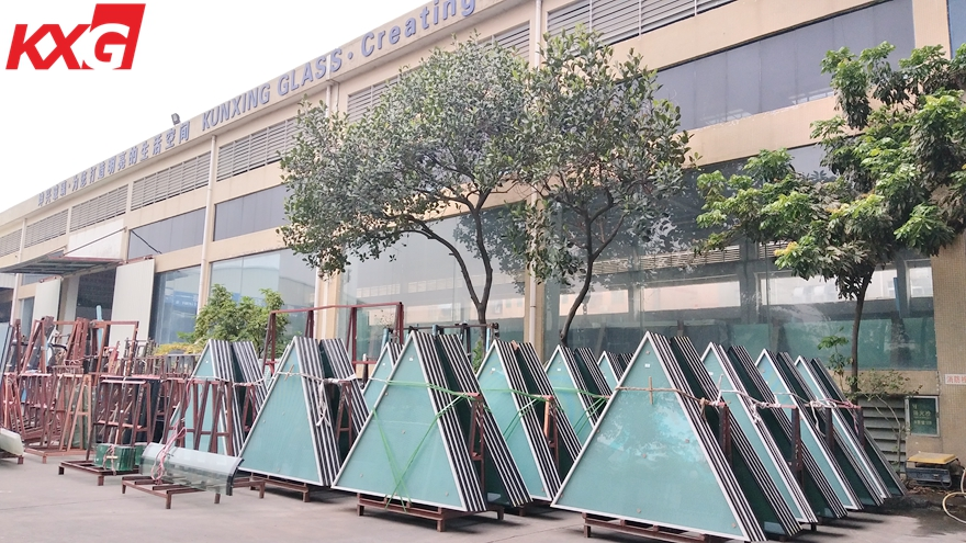 triangular insulated glass