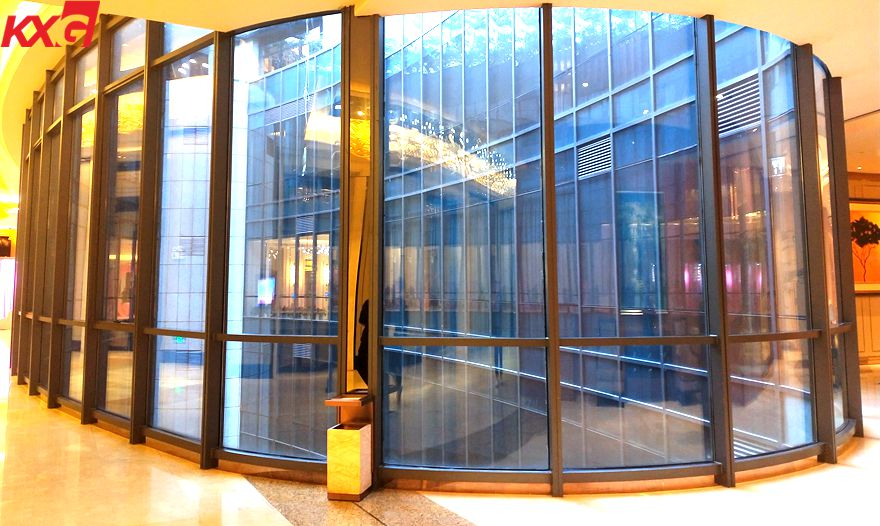 Curved laminated glass handril