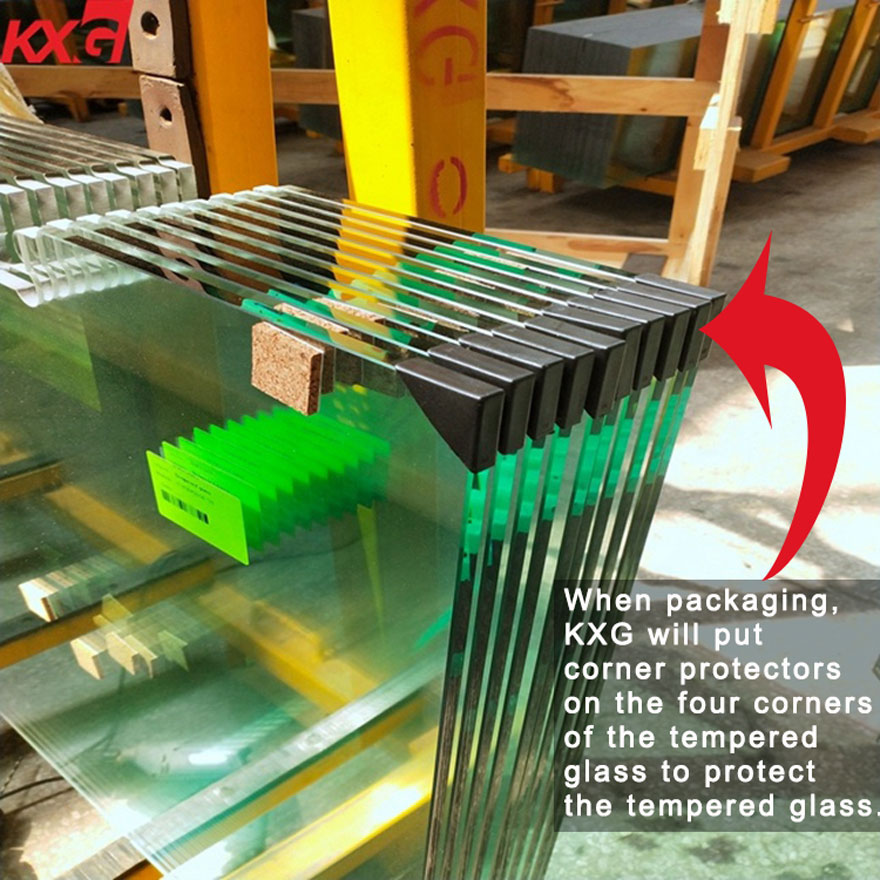 KXG will put corner protectors on the four corners of the tempered glass