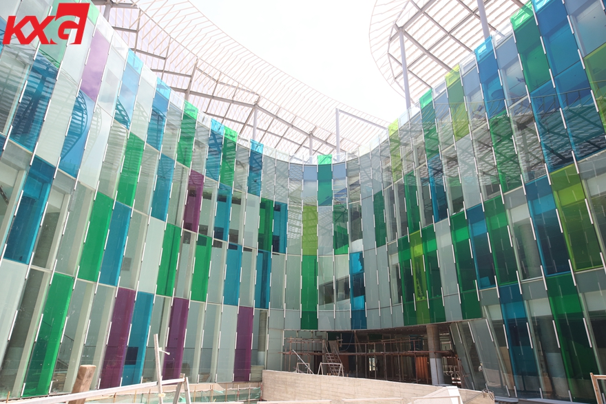 Colored PVB film clear toughened laminated glass