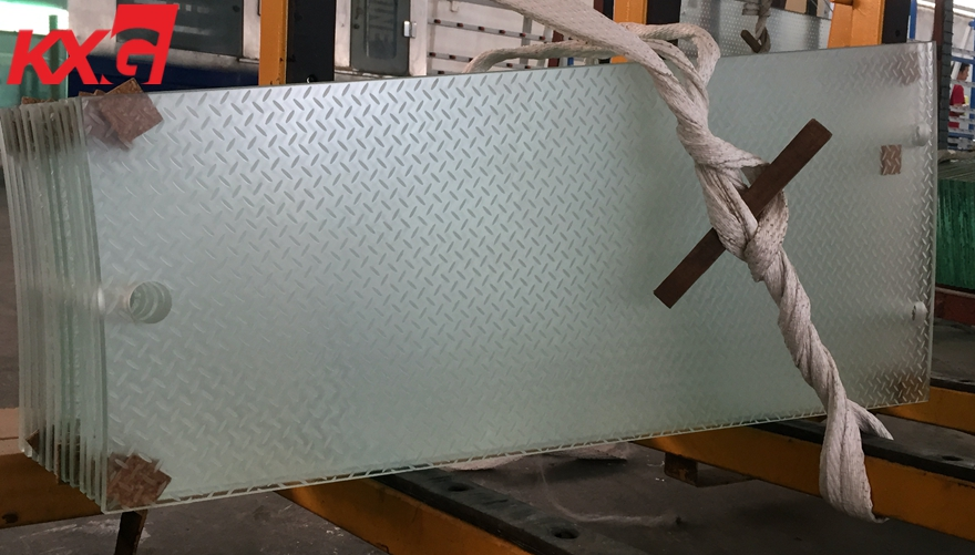 anti-slip frosted laminated tempered glass